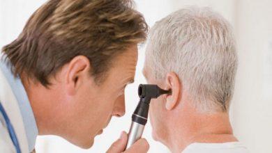 صورة مشروب شائع يمكن أن يقلل من خطر فقدان السمع لدى الرجال دون النساء