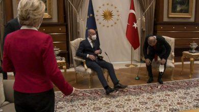 """صورة """"إهانة متعمدة وفخ"""".. وزير فرنسي ينضم للأصوات المنتقدة لتركيا بعد """"حادث الكرسيين"""""""